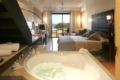 Luxury accomodation jacuzzi Ibiza